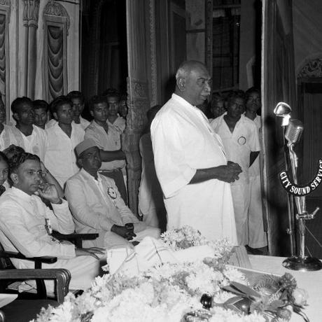 remembering the man of masses ! ~ the simple yet great Chief Minister of Tamil Nadu