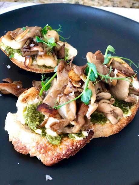 Mushroom Toast with Pesto3 min read