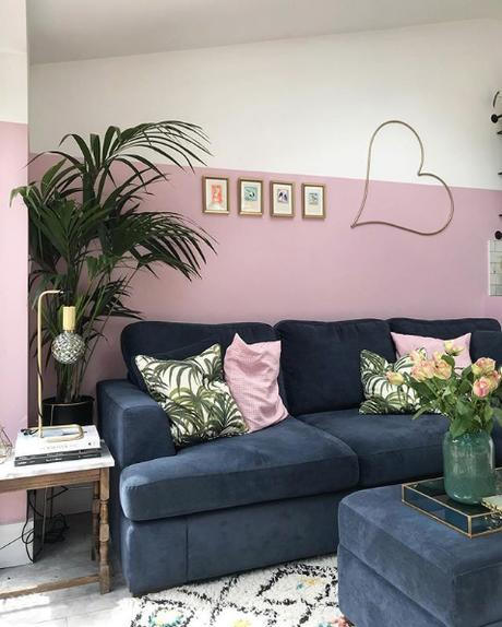 Half painted wall in the living room - pink and navy color palette
