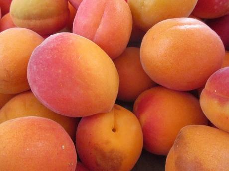 8 Amazing Benefits of Apricot: