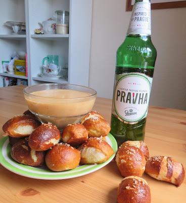 Soft Pretzels & Beer Cheese Dip