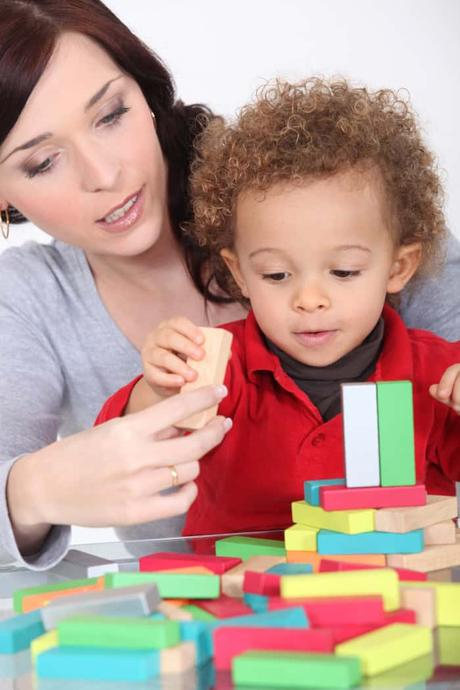 How to Engage the Toddler Using nursing box for toddler