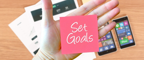 Why Every One Must Write Down Their Goals? (Tips & Strategies)