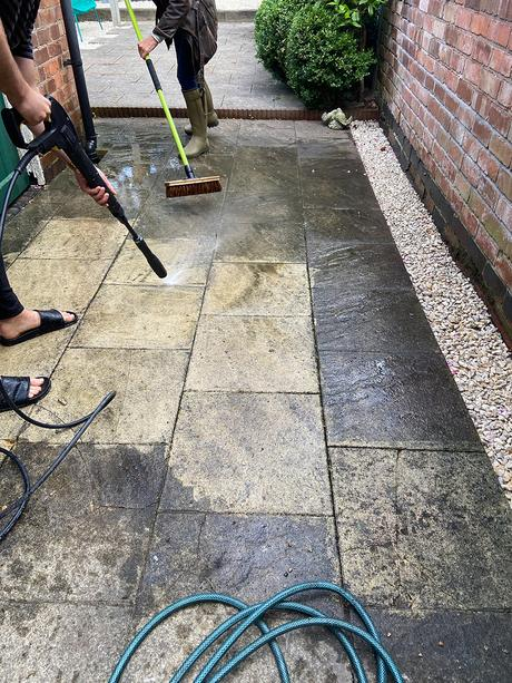 Before and after - garden patio pressure washing