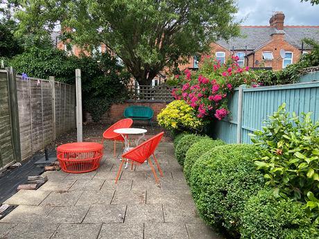 How to transform a courtyard garden with a gravel patio