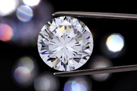 Why VS2 Diamonds Are the Best Choice for Engagement Rings