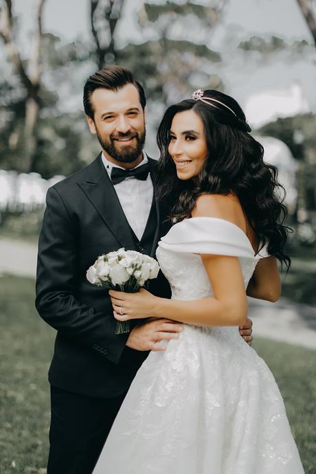intimate-outdoor-wedding-lebanon-romantic-elegant-touches_01