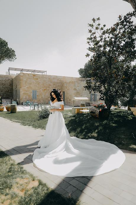 intimate-outdoor-wedding-lebanon-romantic-elegant-touches_02