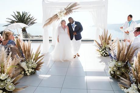 intimate-destination-wedding-santorini-bursting-pampas-grass_25