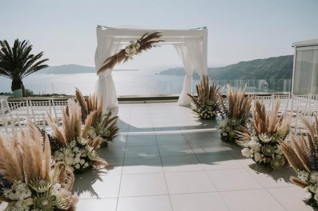intimate-destination-wedding-santorini-bursting-pampas-grass_15