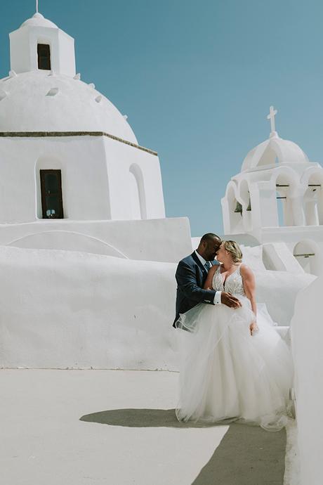 intimate-destination-wedding-santorini-bursting-pampas-grass_30