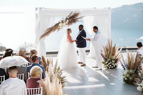 intimate-destination-wedding-santorini-bursting-pampas-grass_01