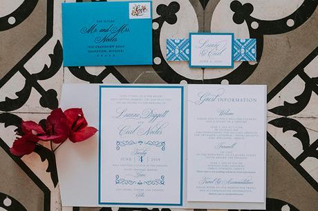 intimate-destination-wedding-santorini-bursting-pampas-grass_04