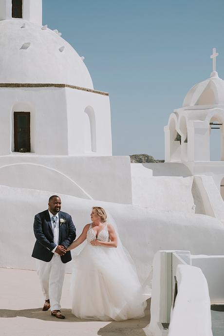 intimate-destination-wedding-santorini-bursting-pampas-grass_13