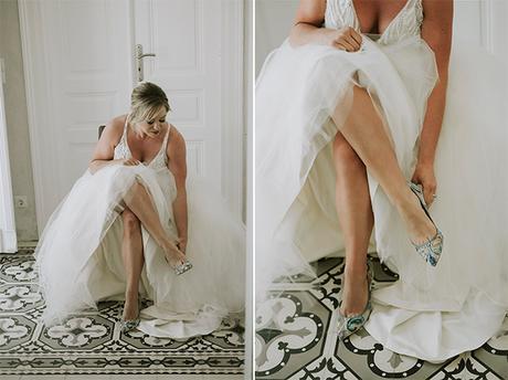 intimate-destination-wedding-santorini-bursting-pampas-grass_09A