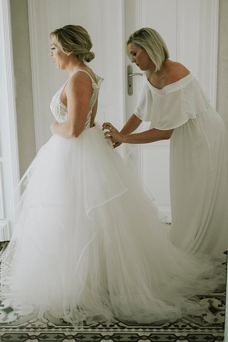 intimate-destination-wedding-santorini-bursting-pampas-grass_07