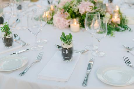 beautiful-outdoor-wedding-succulents-gold-details_18