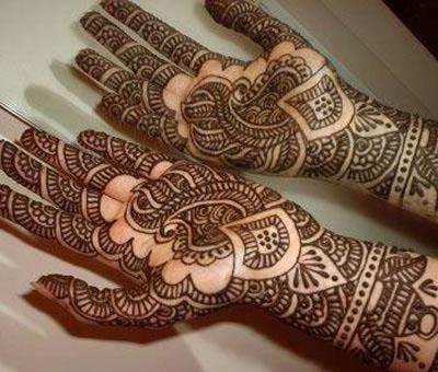 Beautiful Bridal Mahndi designs 2012