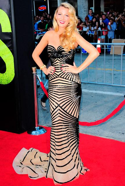 Stunning Blake Lively at the Savages Première