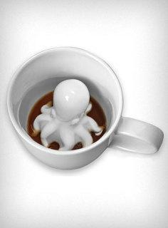 Sneaky Octopus Mug from Plasticland