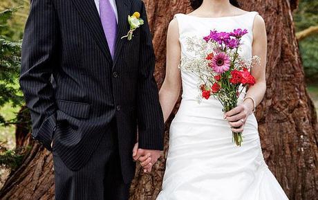 Outdoor wedding inspiration shoot on English Wedding Blog