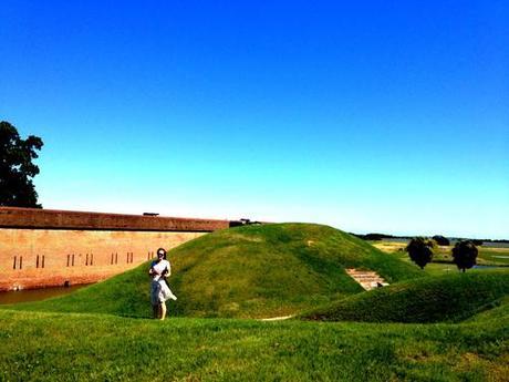 Fort Pulaski  (America the beautiful.)