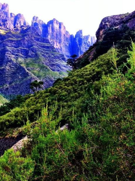 drakensberg amphitheater waterfall