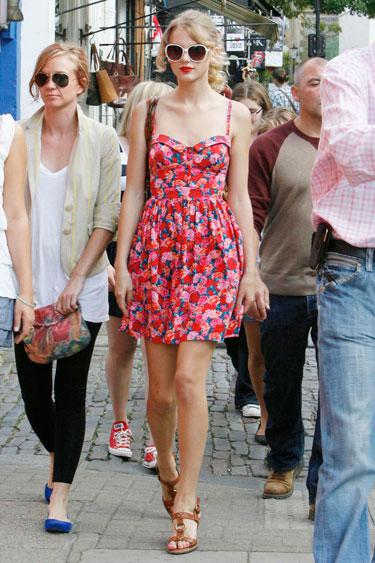 Fashion Friday--Season of the Sundress