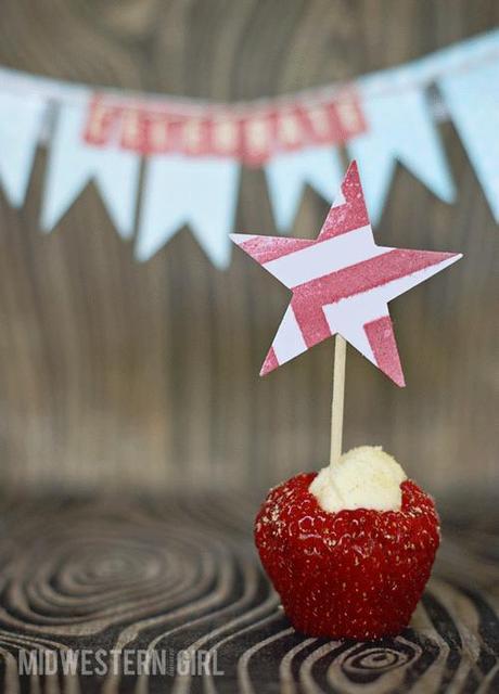 strawberry cheesecake minis...
