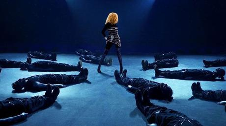 Mylène Farmer, the ultimate creation: meeting with the director of the fascinating Amazon documentary series – News Séries on TV