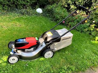 Product Review: Honda izy-ON HRG 466 XB  cordless lawnmover and HHT Cordless Brushcutter