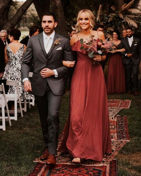lucky-wedding-dates-aisle-ceremony-
