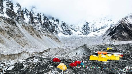 Climber Sues Guide Over Failed Everest Expedition