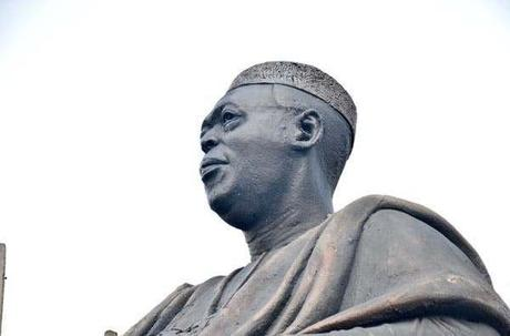 PHOTOS: Hoodlums Steal Obafemi Awolowo's Glasses From His Statue