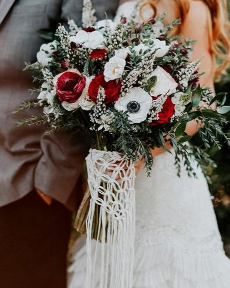 how to choose wedding colors fall charcoal gray cardinal red