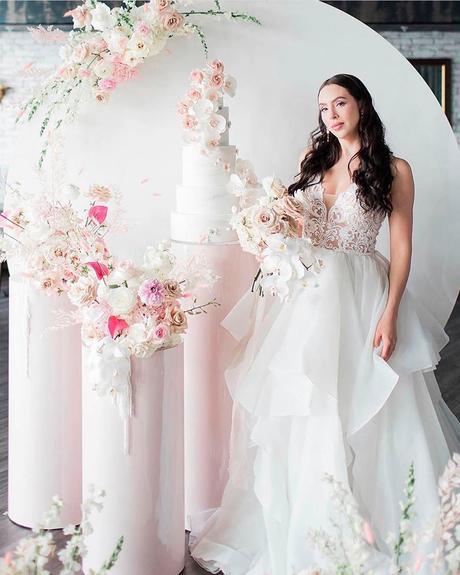 how to choose wedding colors light skin tone bride
