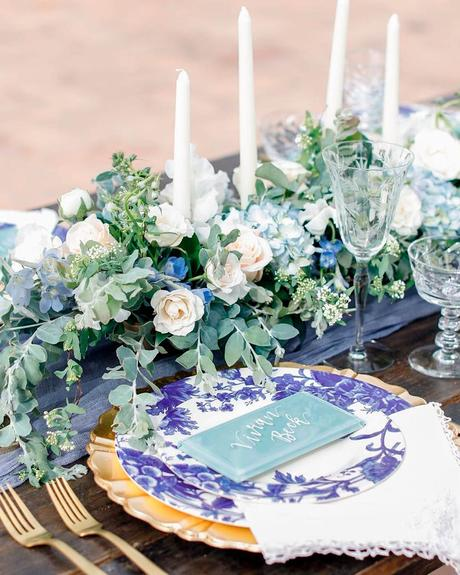 how to choose wedding colors blue table decor