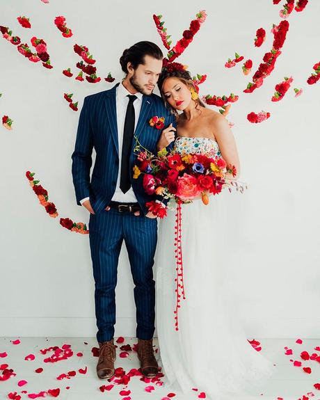 how to choose wedding colors bright colors trend