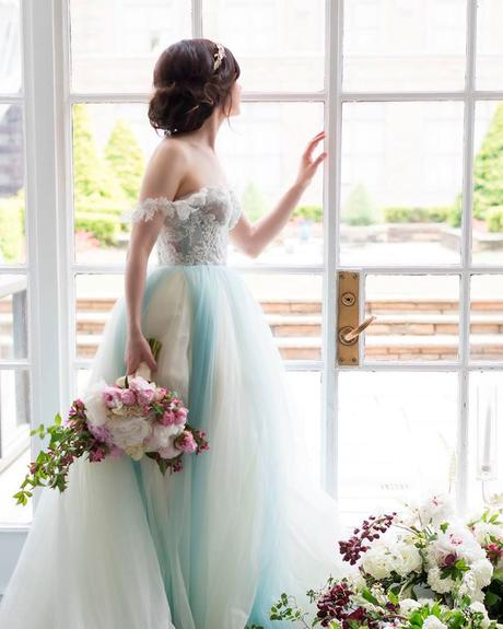 how to choose wedding colors dress attire