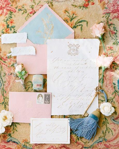 how to choose wedding colors spring light pink white ice blue