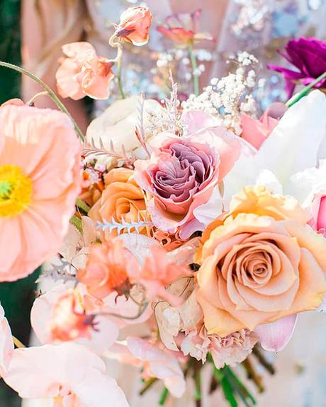 how to choose wedding colors orange pineapple pale pink