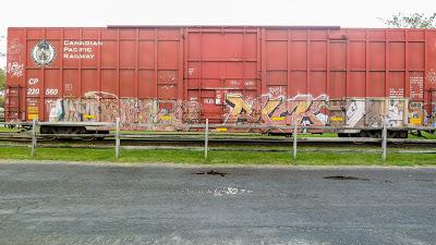 Friday Fotos: FR8s, graffiti at Caven Point