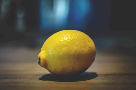 Clean your copper pan with a lemon