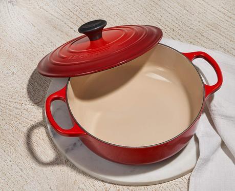 Le Creuset Cast iron roasting pan casserole