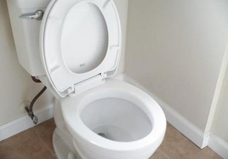 4 DIY Solutions and Fixes to Clogged or Blocked Toilet