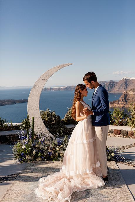 beautiful-styled-shoot-santorini-romantic-details_08x