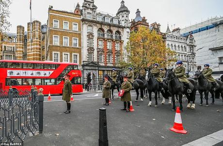 this day 100 years ago !  ~ unveiling of Cenotaph for unknown warrior
