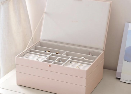 What You Need to Know about the Dolphin Jewelry Box