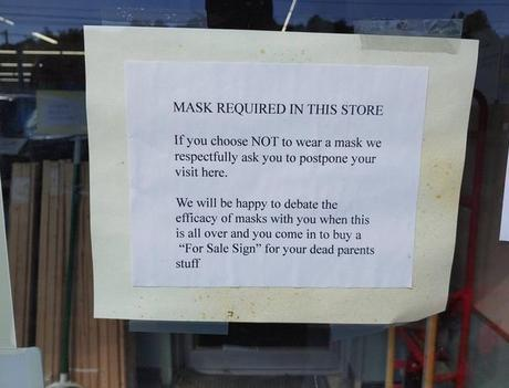 Hardware Store in New York Puts Up This Brutal Sign on the Entrance to Tell Customers They Must Wear a Face Mask