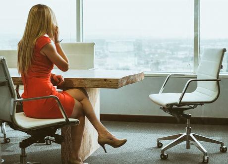 Working In-House Vs. At A Law Firm: Which Is More Suitable For You?